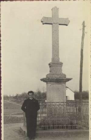 Svećenik pod križem Ostalo