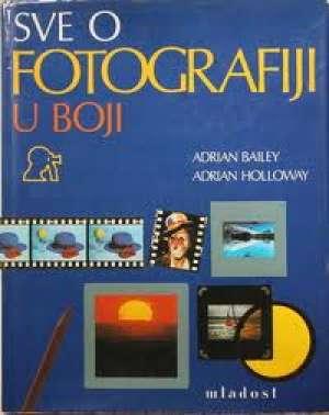 Sve o fotografiji u boji Bailey Holloway tvrdi uvez